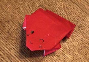 ぴょんぴょんカエルの折り紙