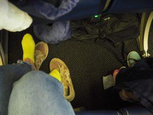ユナイテッド航空 エコノミークラスの座席 足元